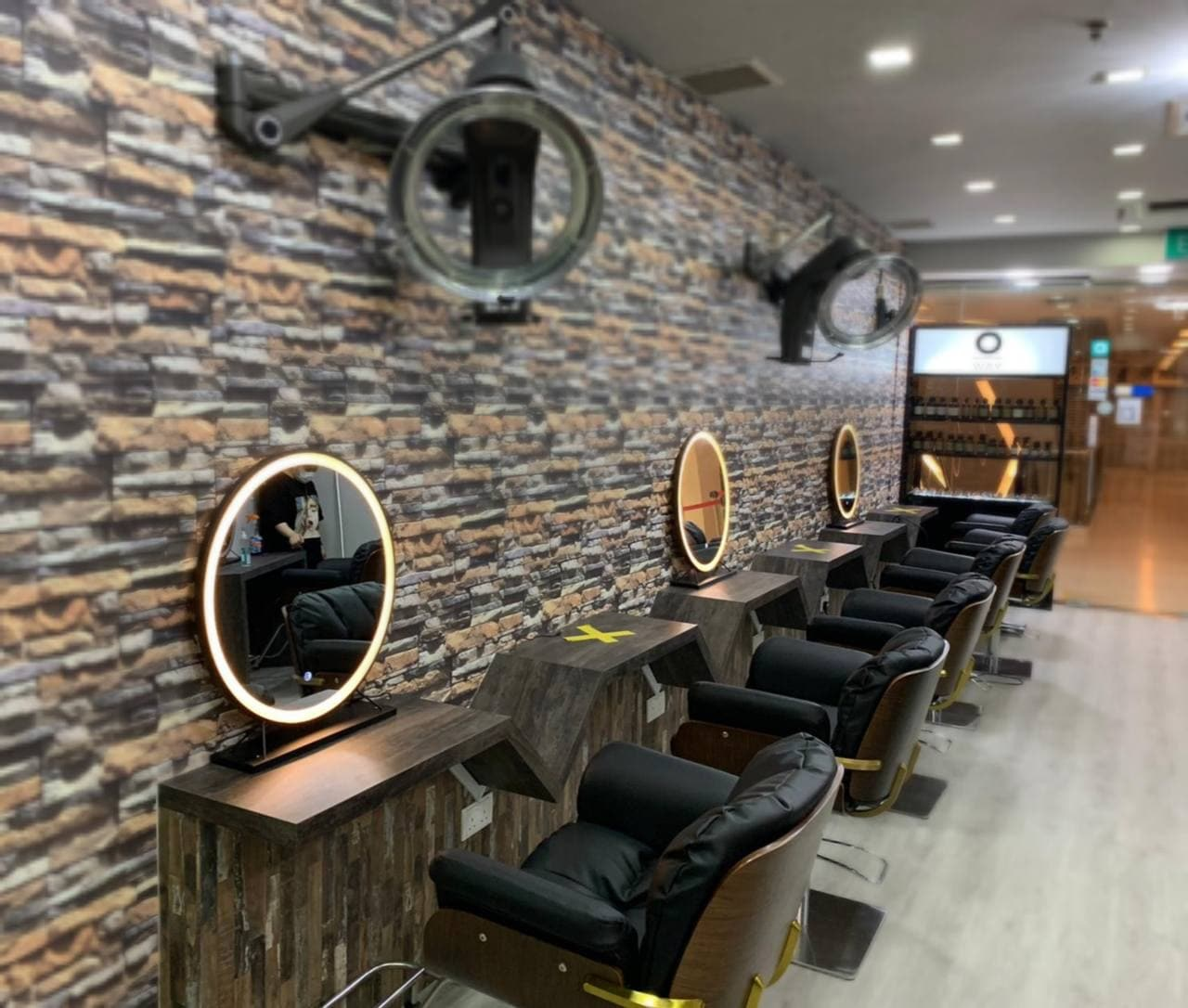 Focus Hairdressing @ Cuppage Plaza Interior