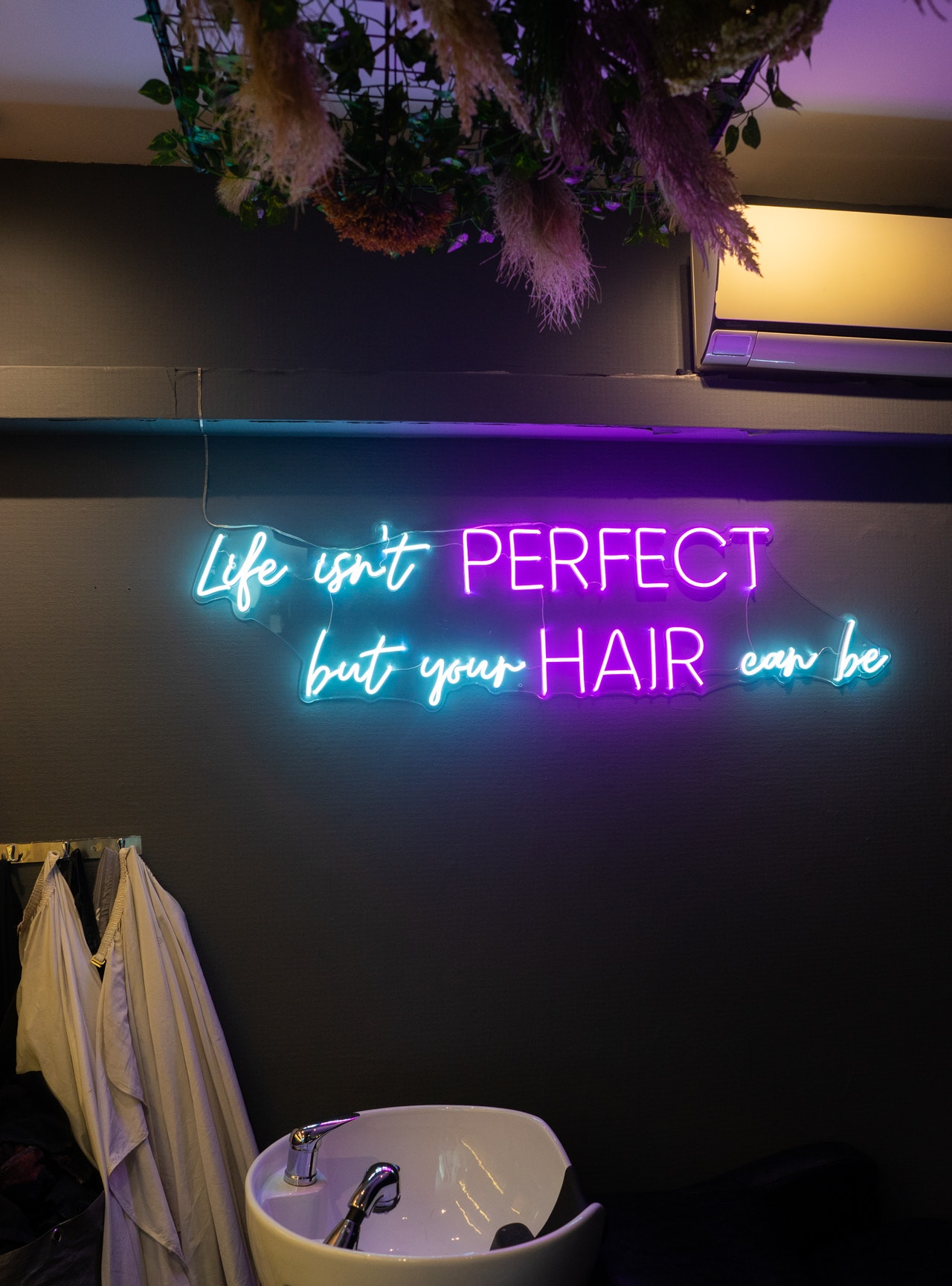 Color Bar by Full House Salon @ Tampines Central Interior